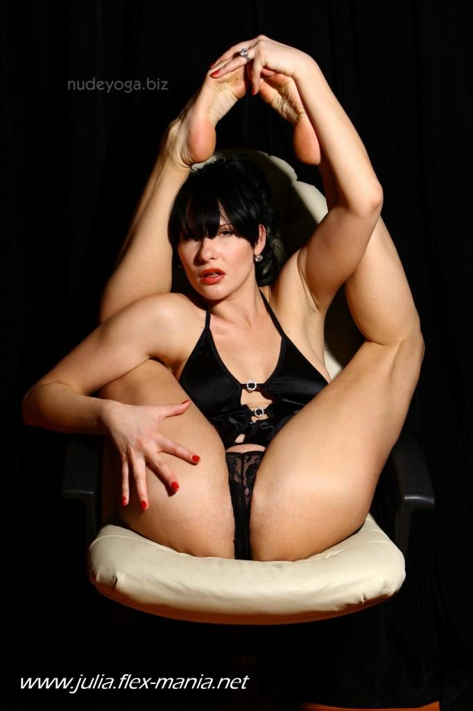 Nude yoga pics